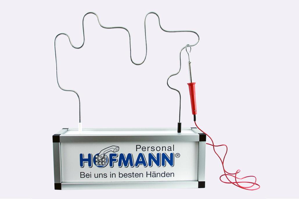 Der Heiße Draht mit Standard-Spieldraht und individueller Frontplatte