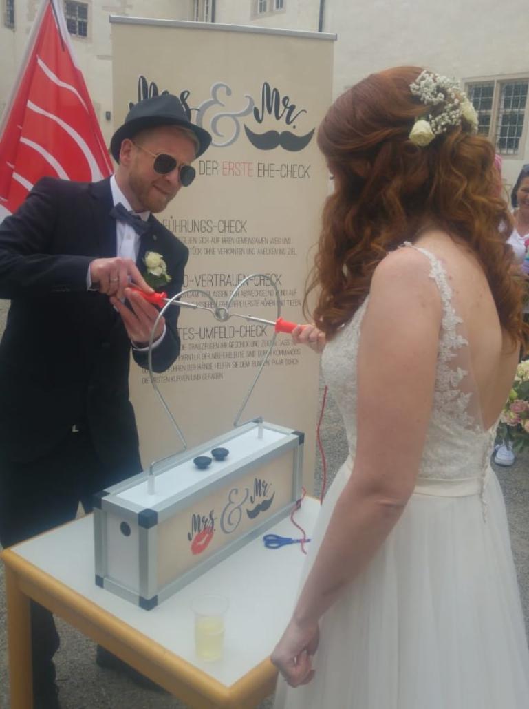 Der Heiße Draht Hochzeit mit Brautpaar